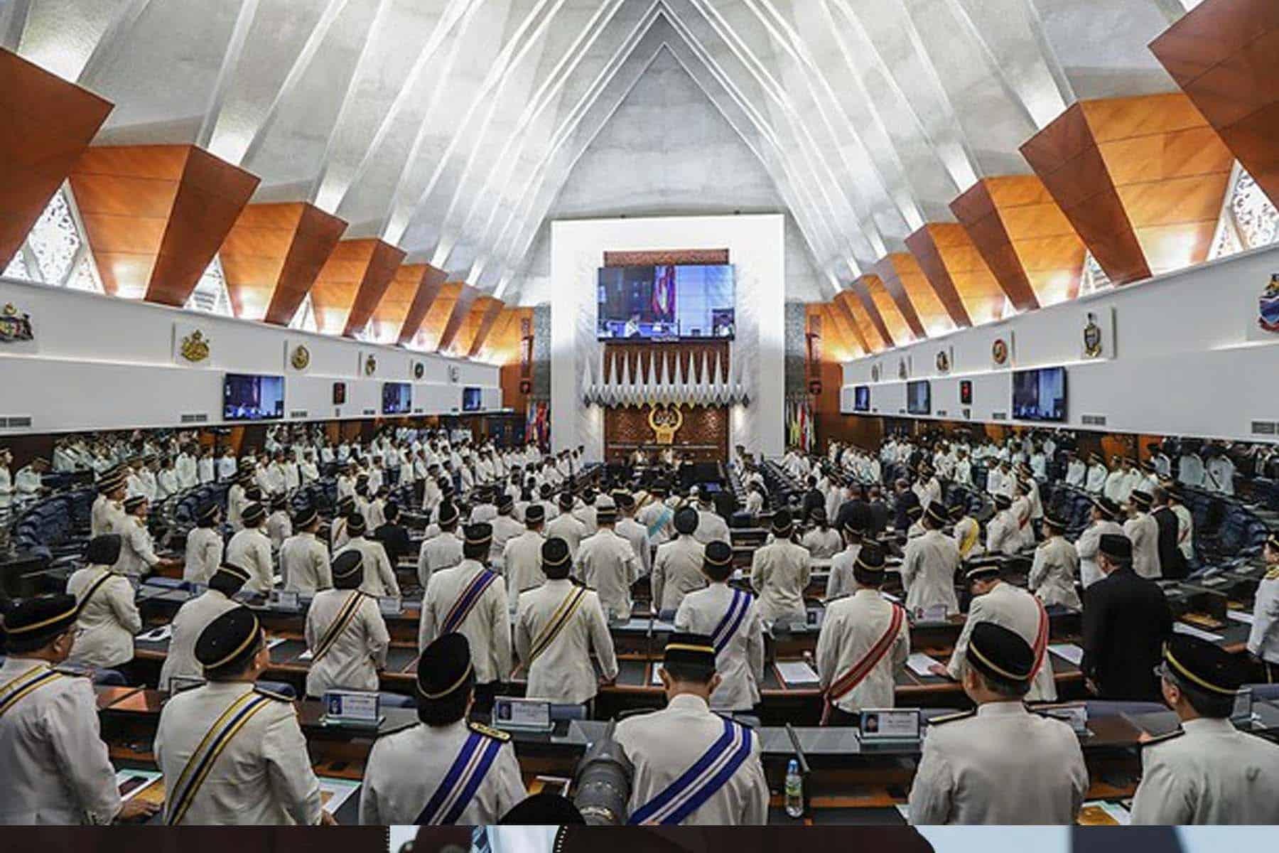 Panggil sidang khas Parlimen atau dahulukan usul undi tak percaya