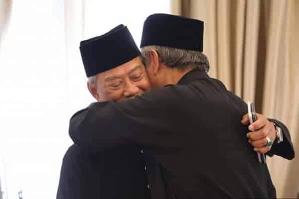 Tak mungkin berdamai Umno kongsi kekasih