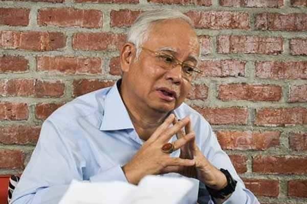 Najib 'sekolahkan' bos KWSP kira-kira