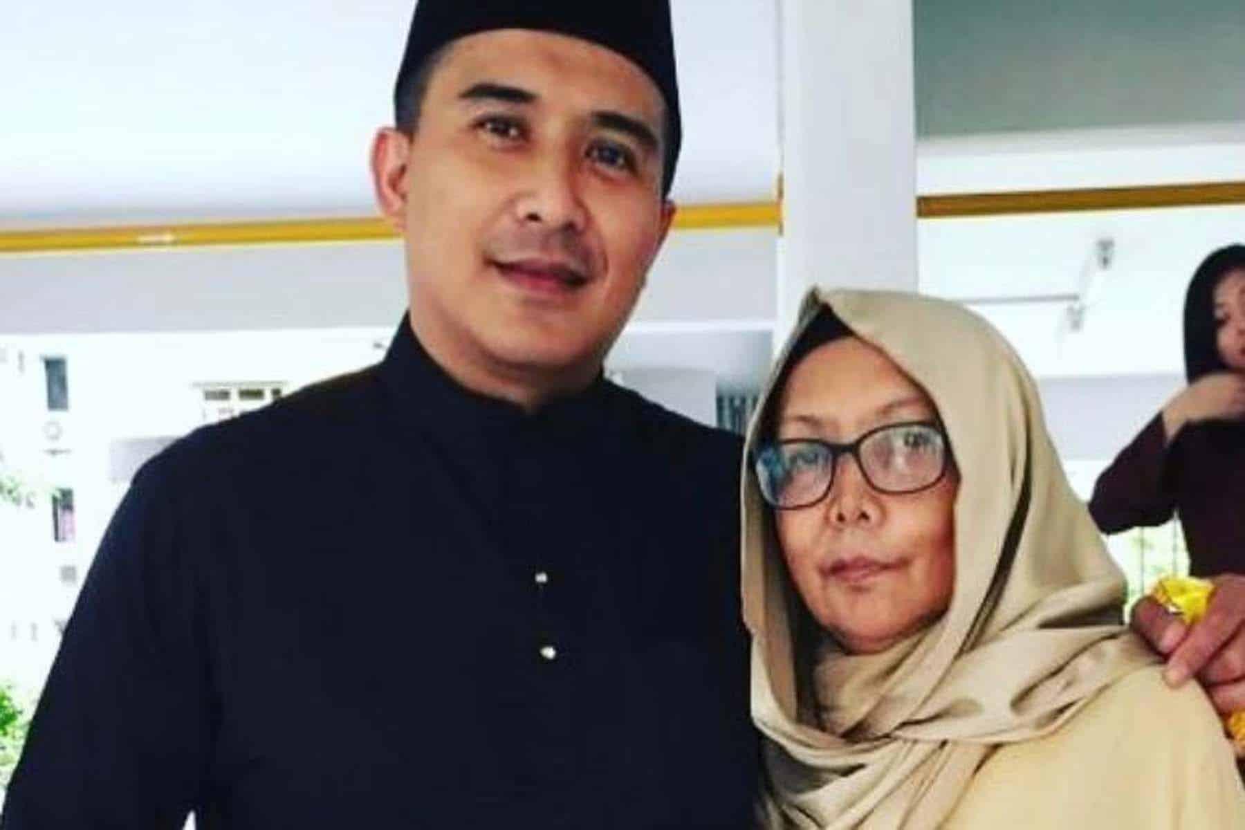 Aaron Aziz reda kehilangan ibu tercinta