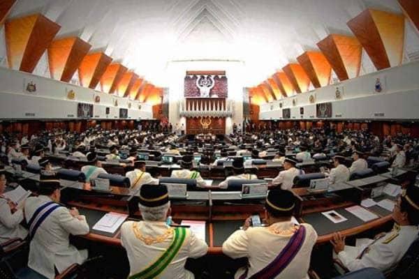 Undang-undang anti lompat parti perlu digubal sebelum PRU15