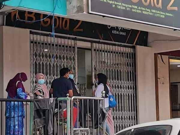 Kedai emas di sekitar Kota Bharu diserbu orang ramai