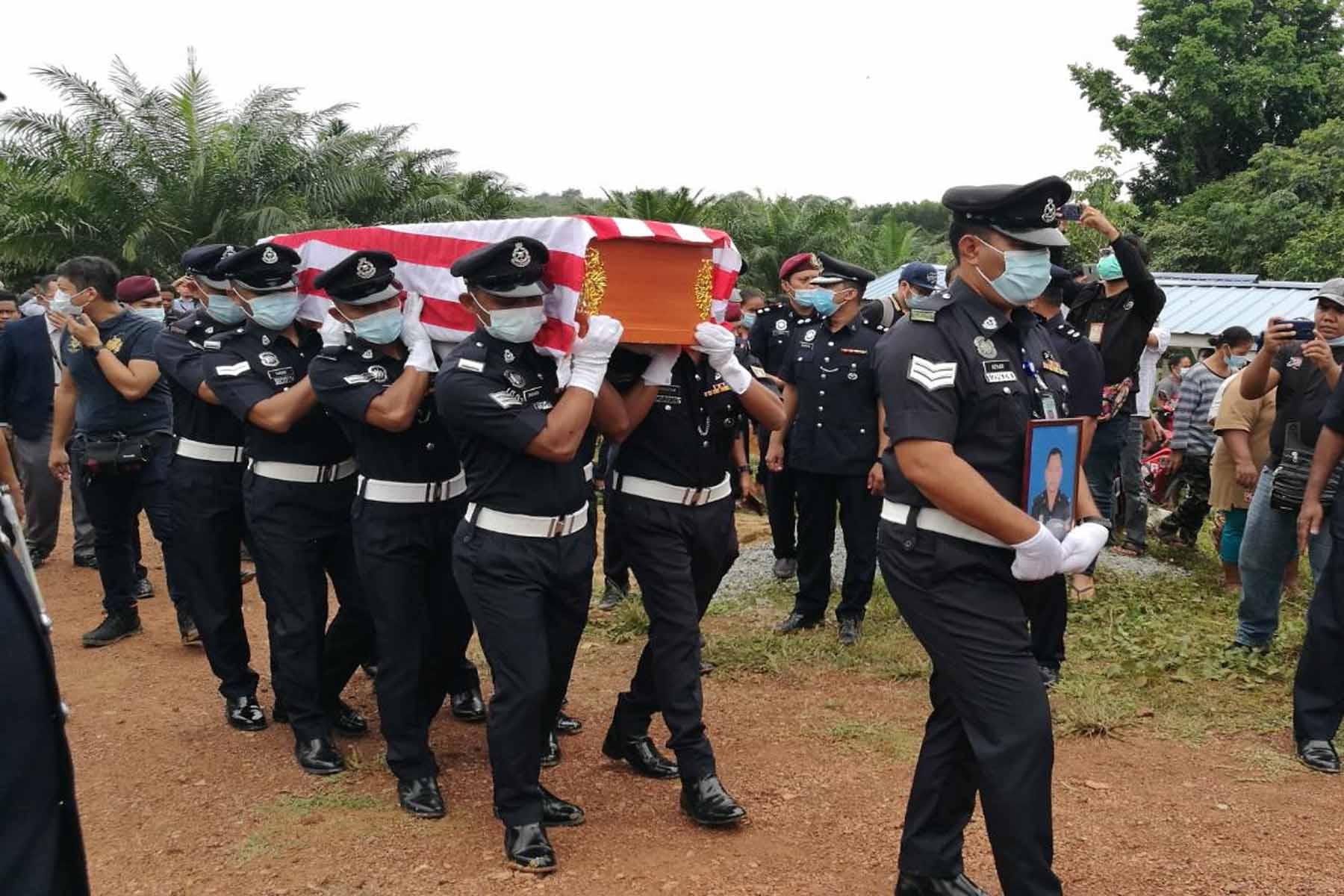 Jenazah Koperal Baharuddin selamat dikebumi