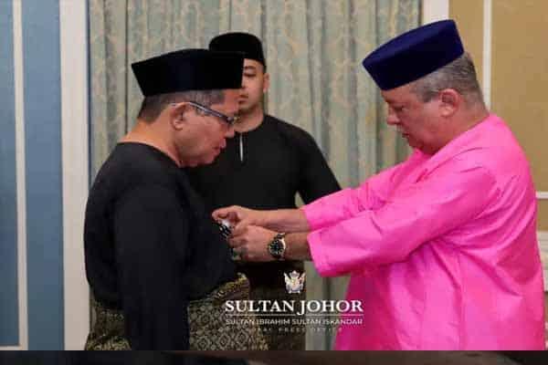4 individu terima darjah gelaran Datuk daripada Sultan Johor