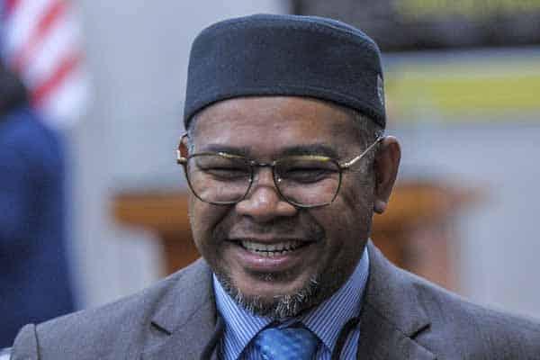 Menteri Pas penakut, tidak bertanggungjawab, kata DAP