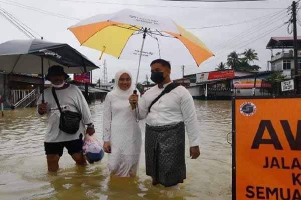 Majlis perkahwianan dalam banjir
