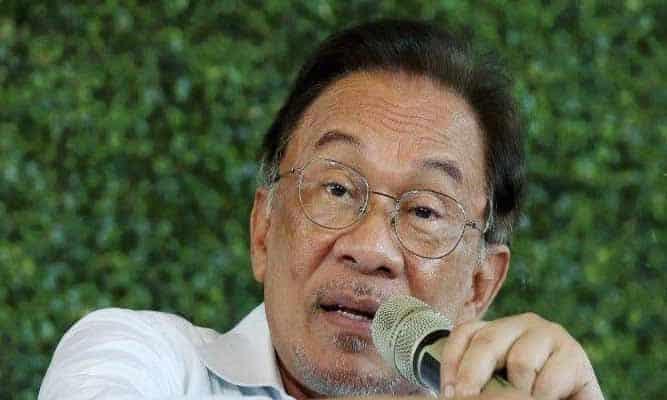 Anwar ajak semua Ahli Parlimen mohon perkenan Agong batal darurat