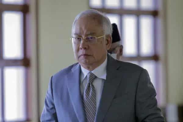 UMNO cuba dipinang oleh parti lain – Najib