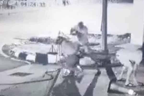 [Video]Ngeri!!! Makluman Kes Pergaduhan Di Hadapan Shell