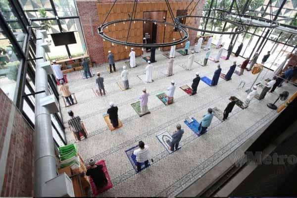 12 orang sahaja dibenarkan solat berjemaah di masjid, surau