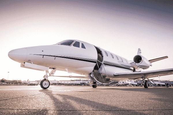 Bergaya hidup menteri sekarang, naik jet peribadi