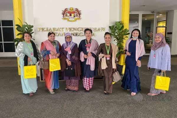 Fauziah Nawi dijemput ke Istana Negara