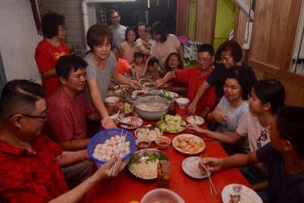 Jangan banding pasar malam dengan makan besar Tahun Baharu Cina, kata bekas timbalan menteri