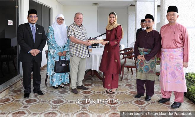 Illi Najwa masih Islam, mengadap Sultan Johor