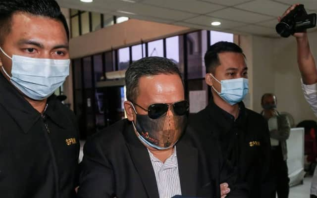 4 jam diperlukan untuk baca pertuduhan ubah wang haram pemimpin Umno Pulau Pinang