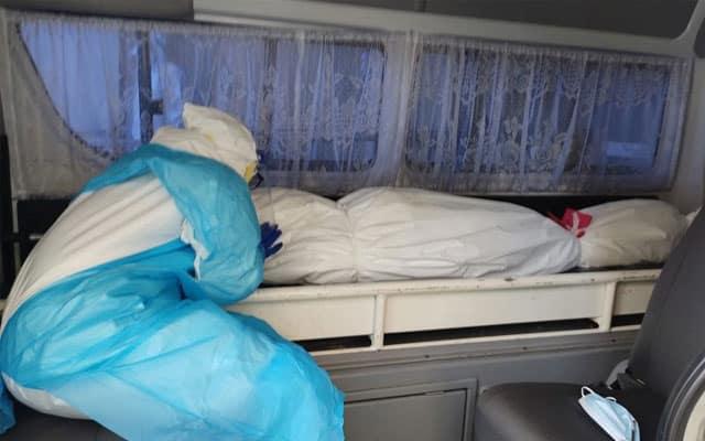 Selalu urus jenazah Covid-19, hari ini urus jenazah ibu sendiri