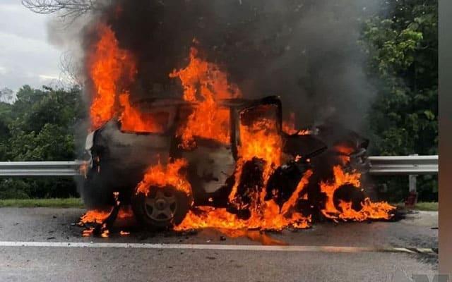 Tular video kereta kemalangan, pemandu terbakar hidup-hidup