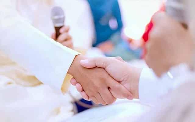 Tular video pengantin perempuan histeria ketika akad nikah