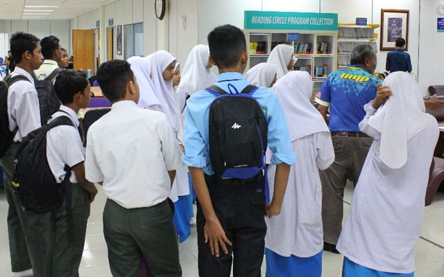 'Sedap' cuti panjang, 800 pelajar sekolah menengah tak nak pergi sekolah sebab dah kahwin