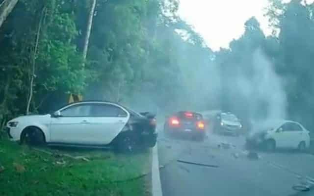 Tular video kemalangan perodua bezza di Ulu yam